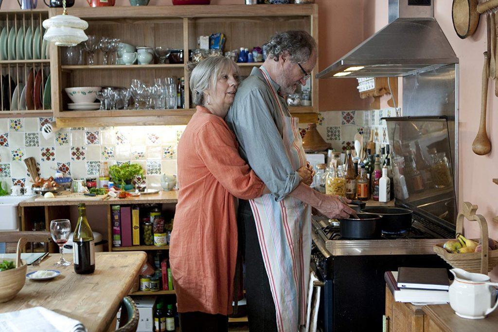 Gerri und Tom an ihrem Lieblingsplatz. Another Year (2010)