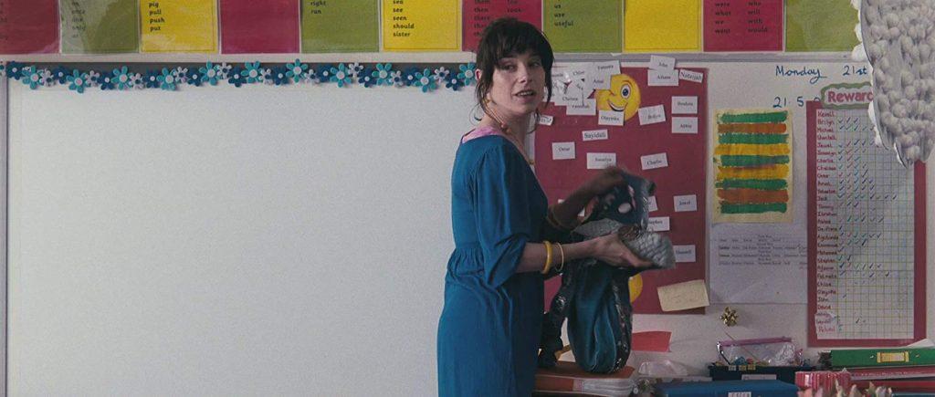 Grundschullehrerin Poppy in ihrem natürlichen Habitat. Happy-Go-Lucky (2008)